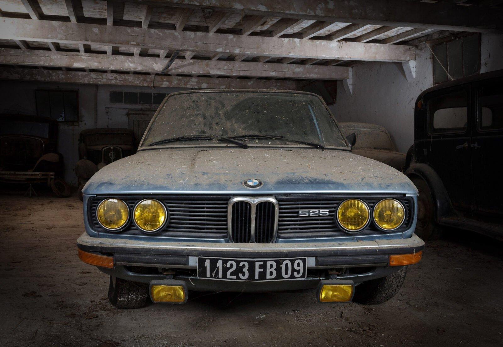 BMW 525 E12 Front