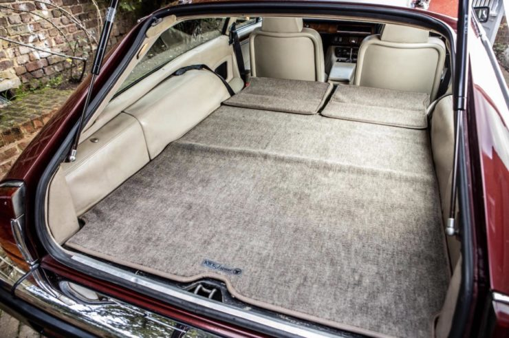 Jaguar XJS Rear Luggage Space