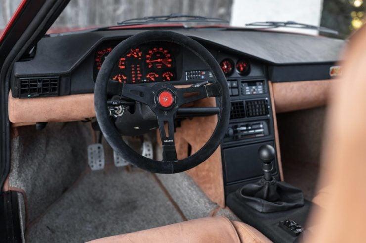 Lancia Delta S4 Stradale 10