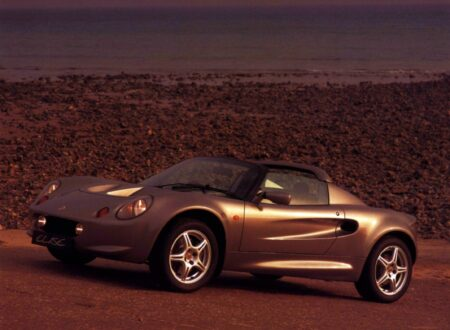 Lotus Elise Series 1 Side