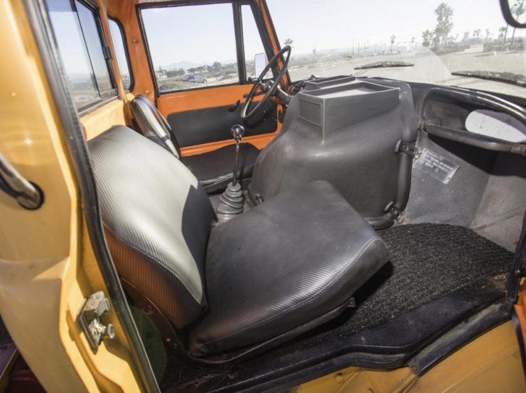 Mercedes-Benz Unimog Car Hauler Interior 2