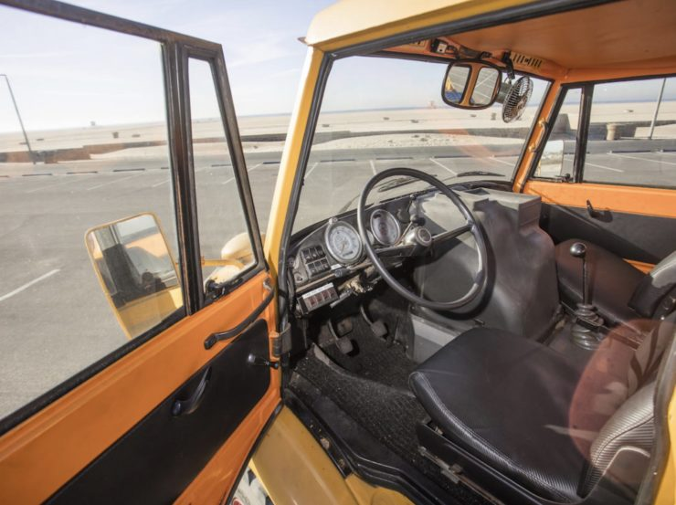 Mercedes-Benz Unimog Car Hauler Interior