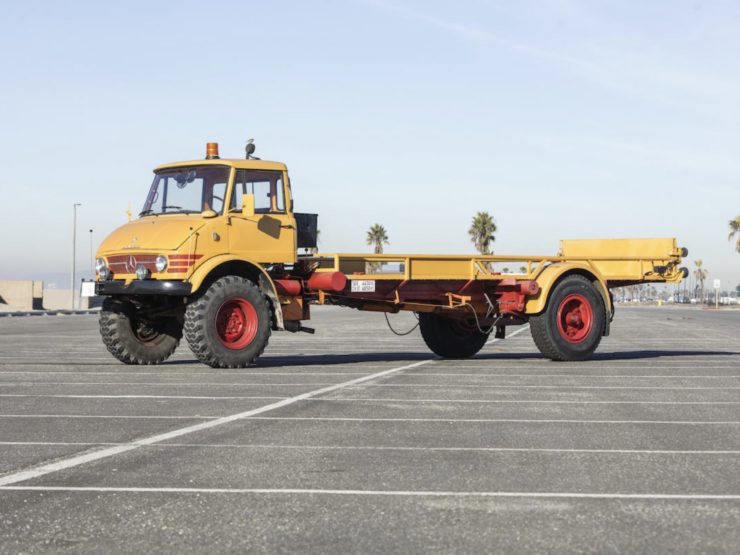 Mercedes-Benz Unimog Car Hauler Side 2