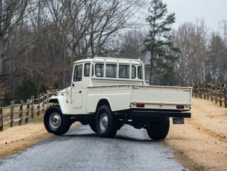 Toyota FJ45 Land Cruiser Back