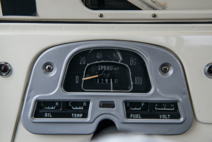 Toyota FJ45 Land Cruiser Dashboard