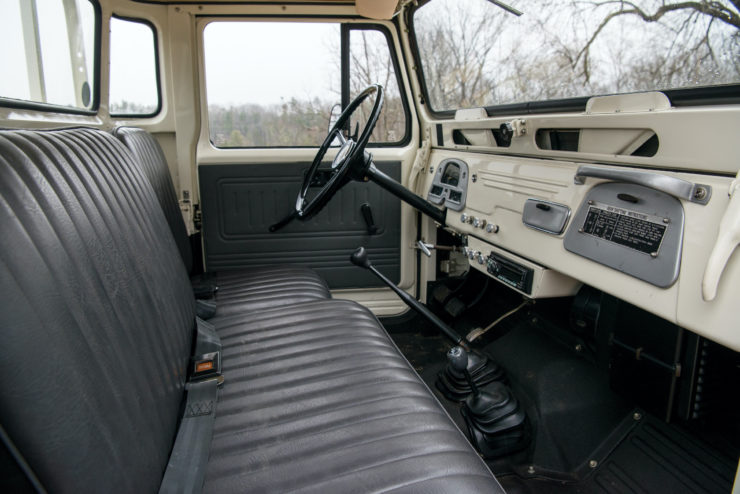 Toyota FJ45 Land Cruiser Interior