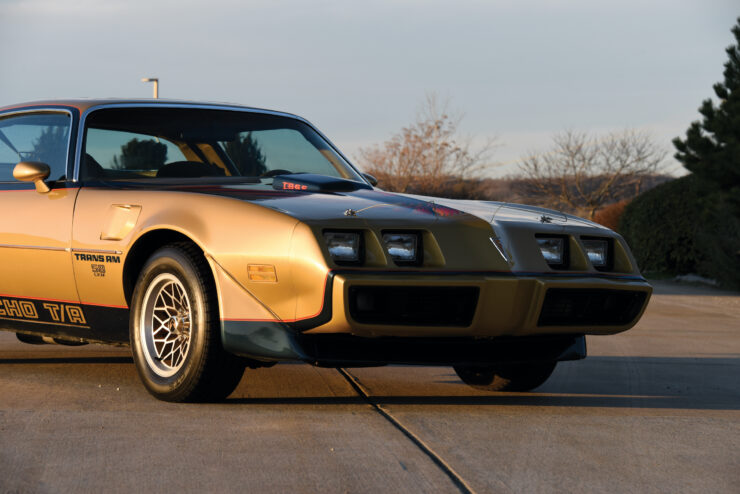 DKM Pontiac Macho Trans Am T/A Front