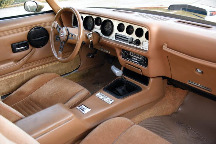 DKM Pontiac Macho Trans Am T/A Interior 2
