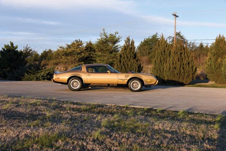 DKM Pontiac Macho Trans Am T/A Side