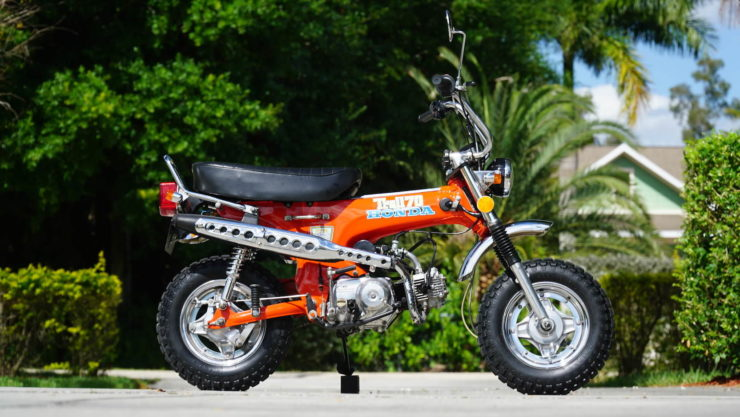 Honda CT70 Side