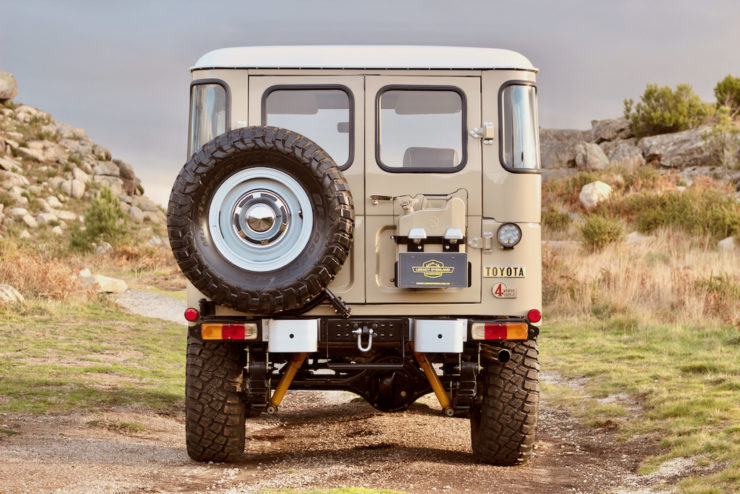 Toyota Land Cruiser FJ40 Back