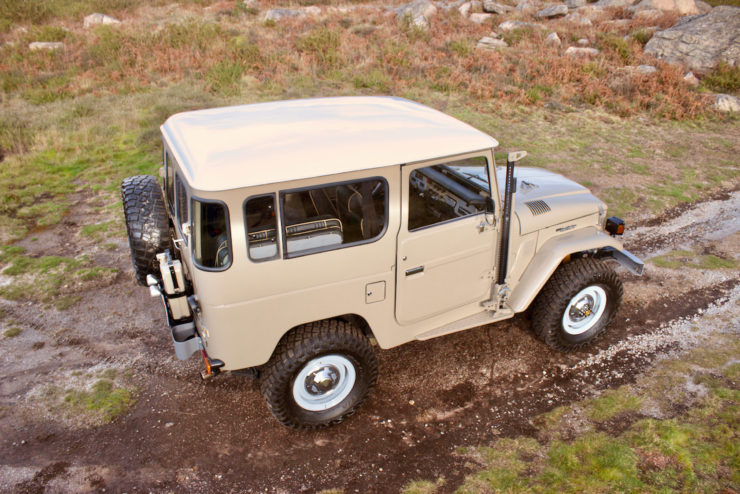 Toyota Land Cruiser FJ40 Roof