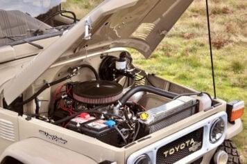 Toyota Land Cruiser FJ40 Engine Bay