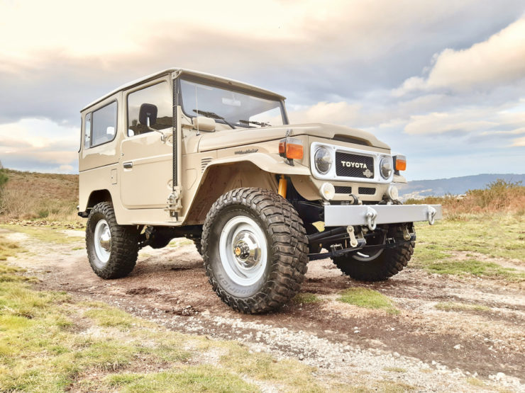 Toyota Land Cruiser FJ40 Steel Wheels