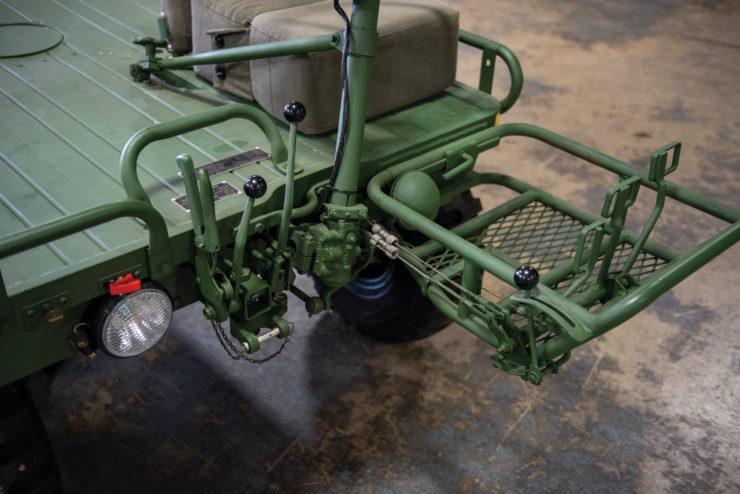 M274 Mule 1/2 Ton 4x4 Controls