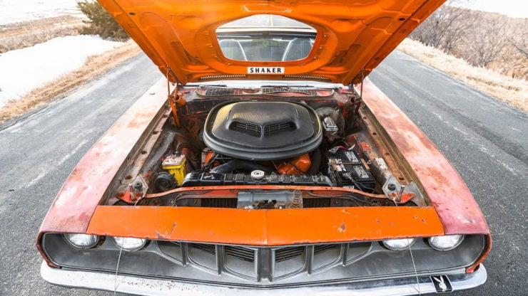 Plymouth Cuda 440-6 Hood Open