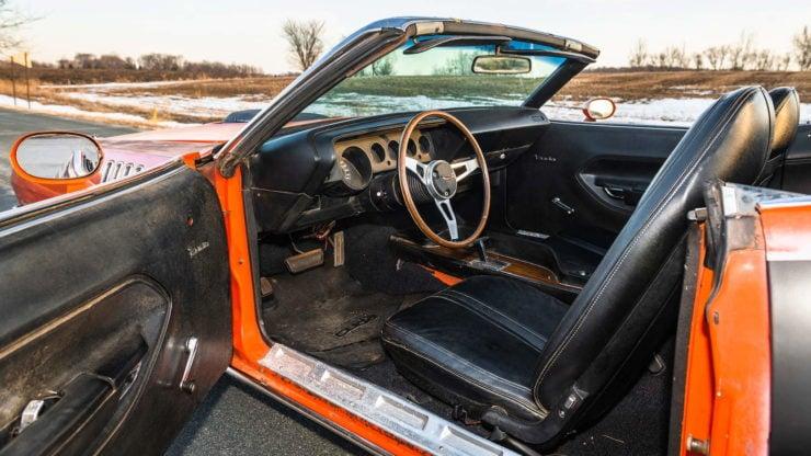 Plymouth Cuda 440-6 Interior