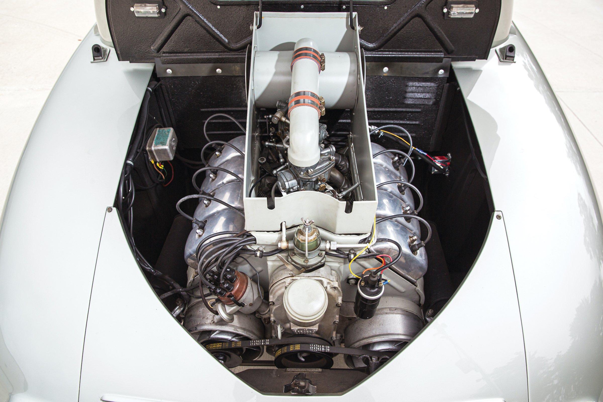 Tatra T87 Engine