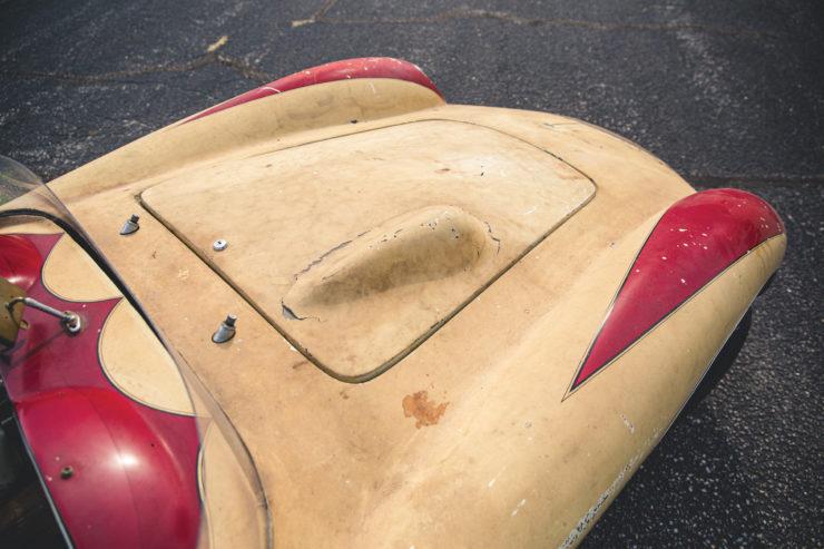 Devin Triumph Car Hood