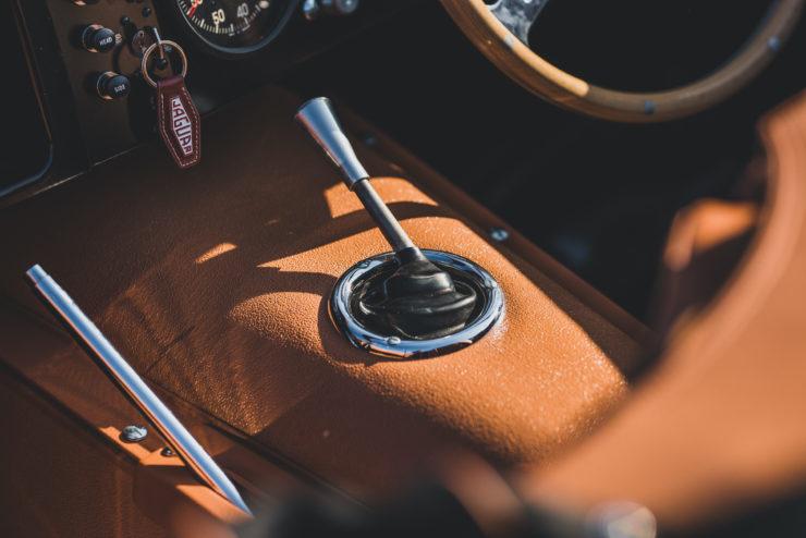 Jaguar XKSS Shifter