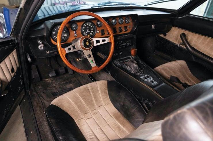 Lamborghini Islero GTS Interior
