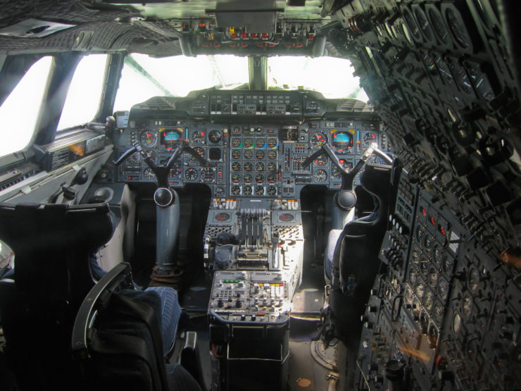 Concorde flight deck layout