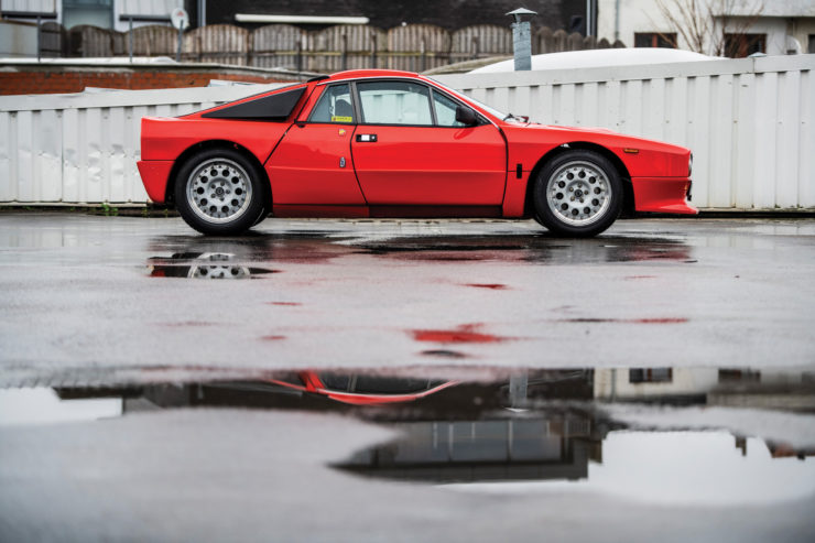 Lancia 037 Stradale Side
