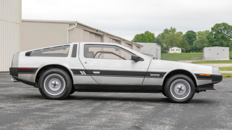 DeLorean DMC-12 16