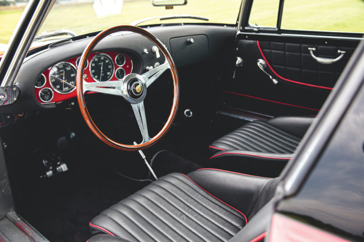 Fiat 8V by Vignale Interior