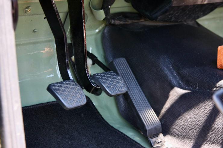 Mercedes-Benz G-Wagen Pedals