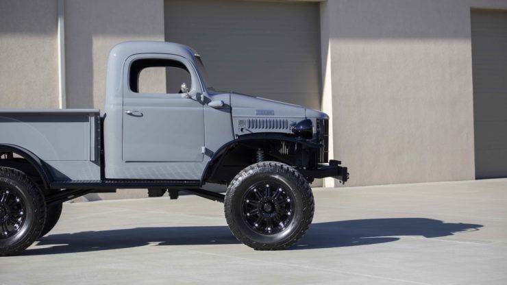 Military Dodge Power Wagon 8