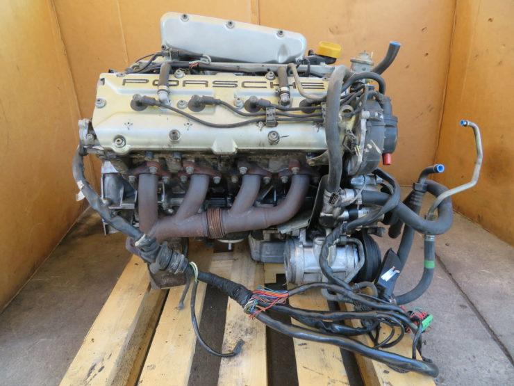 Porsche 928 V8 Engine 4