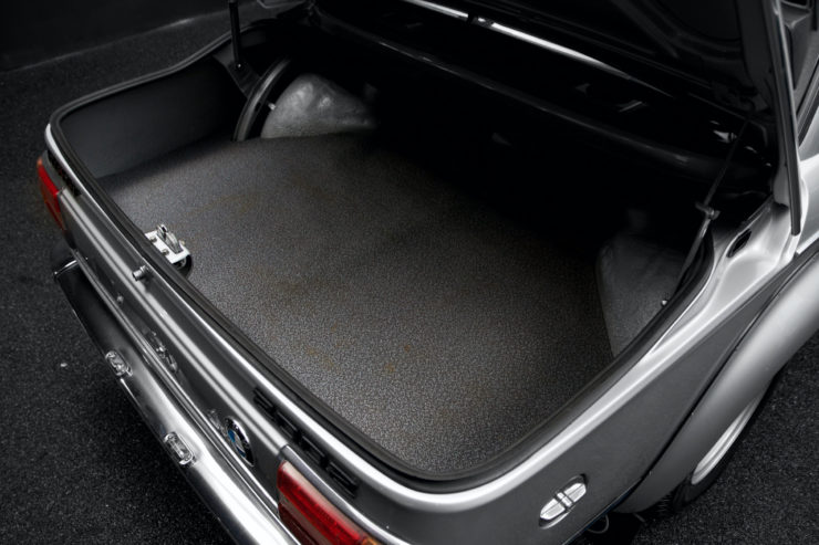 BMW 2002 Turbo Trunk