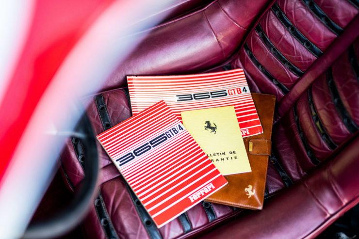 Ferrari Daytona Books