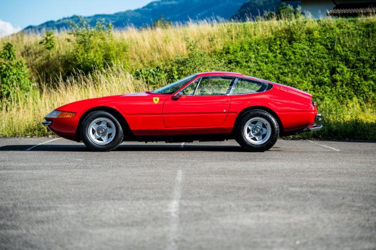 Ferrari Daytona Side 2