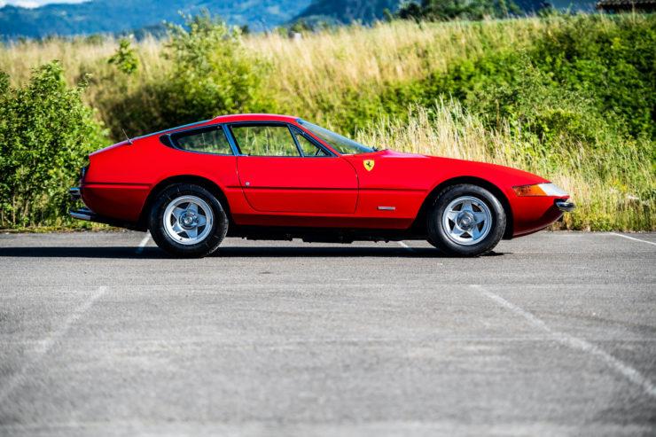 Ferrari Daytona Side