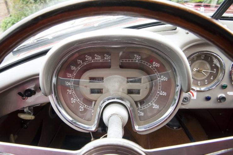 Fiat 8V Dashboard