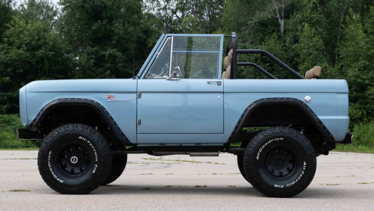 Ford Bronco 6