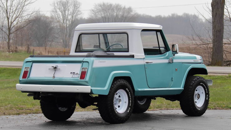 Jeepster Commando Rear