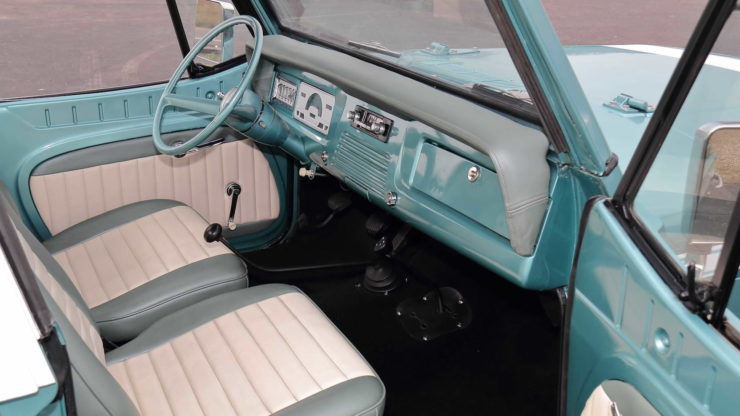 Jeepster Commando Seats