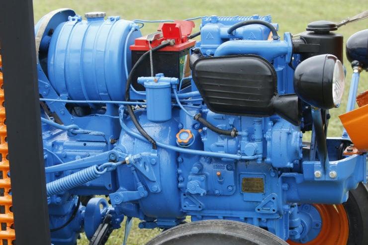 Lamborghini 2241R Tractor Engine 2