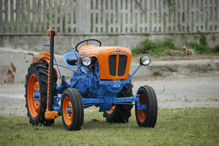Lamborghini 2241R Tractor Front