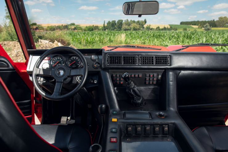 Lamborghini LM002 Dashboard