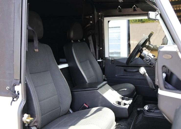 Land Rover Defender 110 V8 Seats