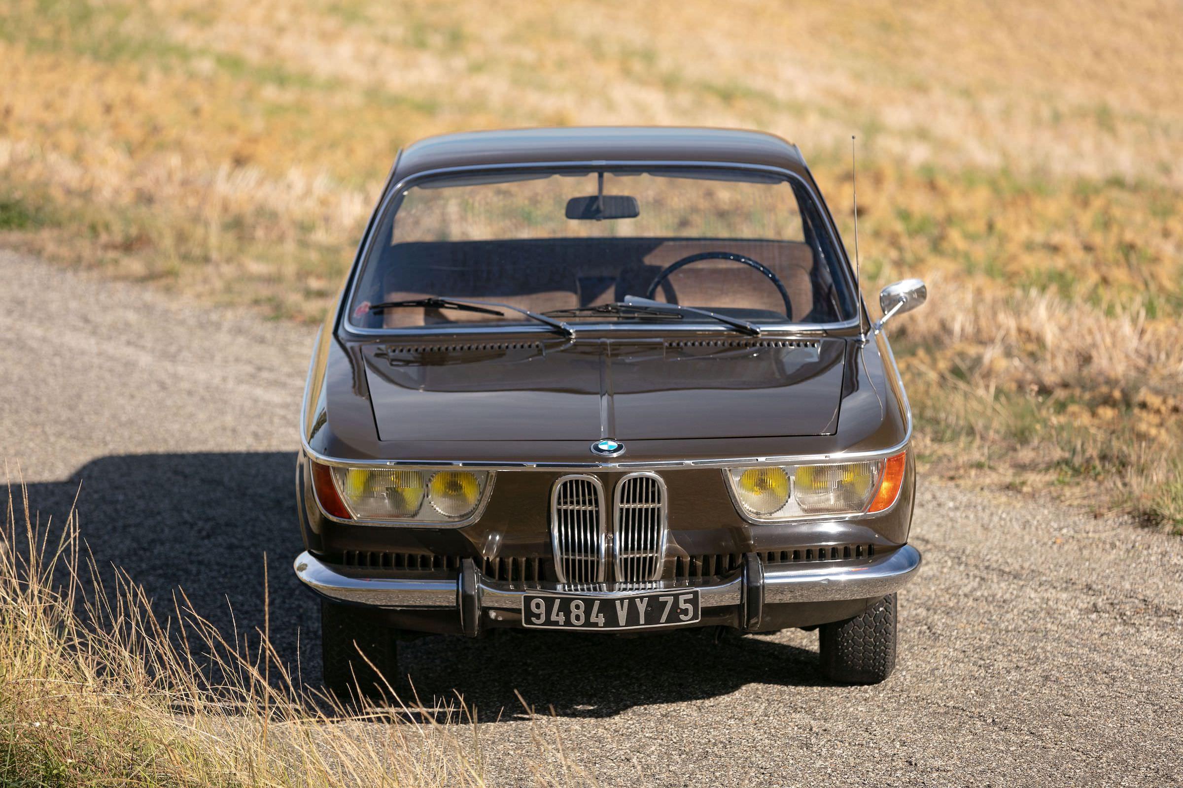 BMW 2000 CS 4