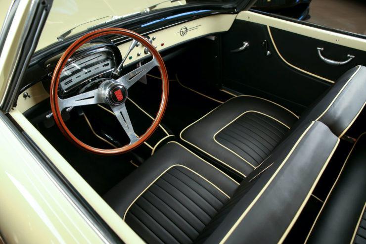 Fiat 1200 Wonderful Interior