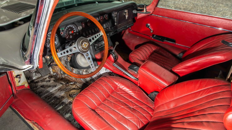 Jaguar XKE Series Two interior automatic transmission