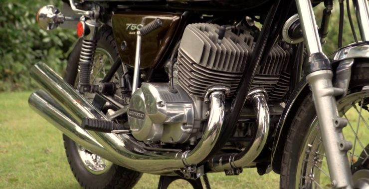 Kawasaki H2 Mach IV 750 Triple 1