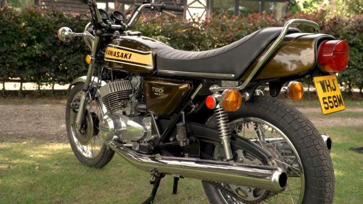 Kawasaki H2 Mach IV 750 Triple Back