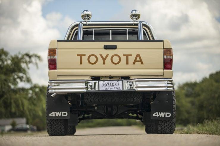 Toyota 4×4 Pickup HiLux Tail Gate